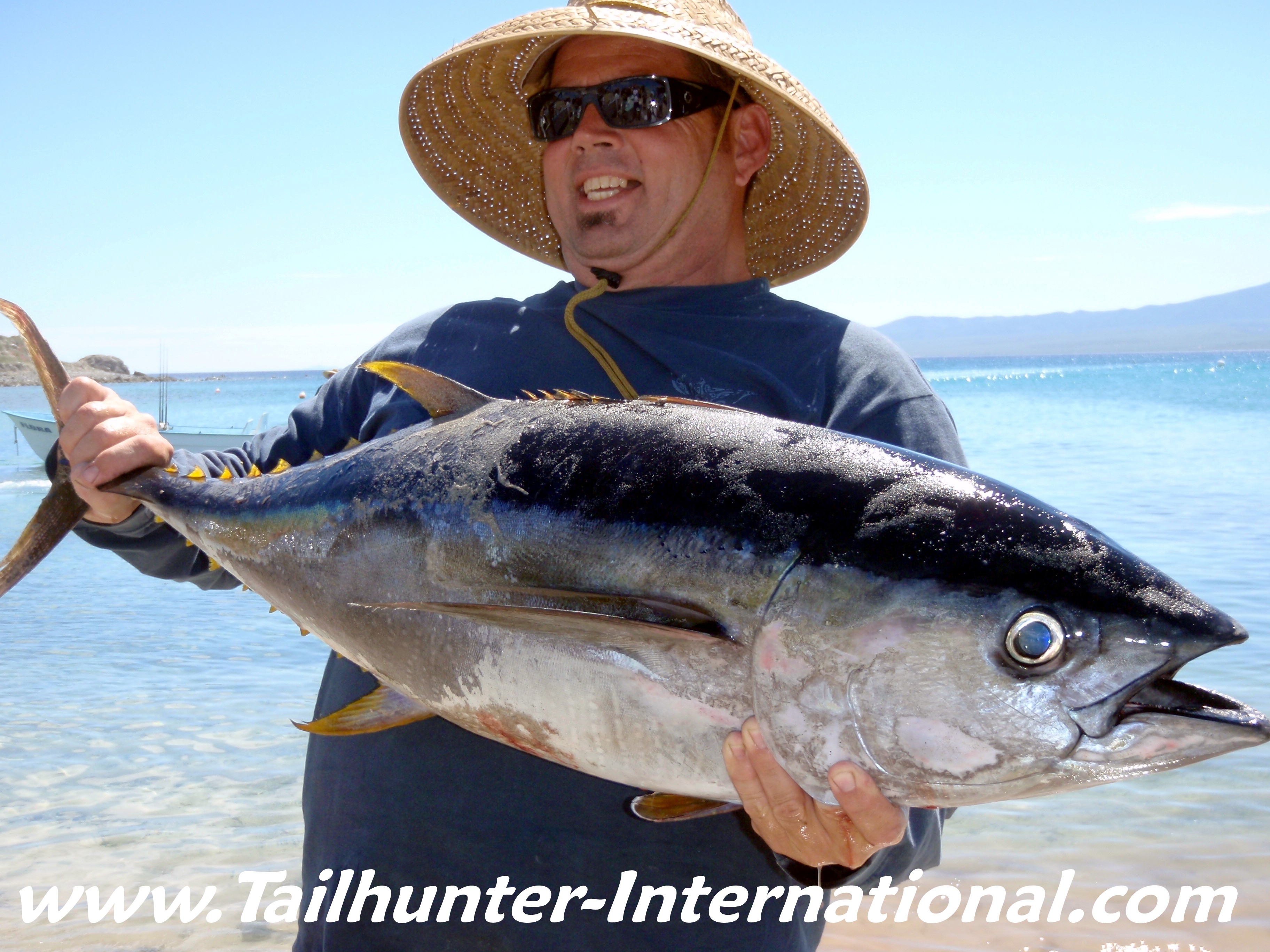 October 2010 tailhunter fish report for Tuna fish size
