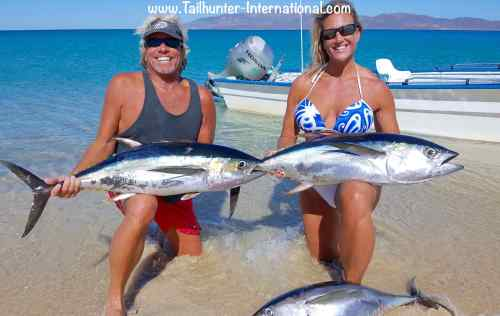 Rick and Amy Kasper from Wyoming run a hunting operation and Rick is also an outfitter and TV host on the outdoor channel. He and Amy hit a nice day of action boating 3 nice tuna on squid and losing another plus having their hands full on 8 or 9 bonito. .